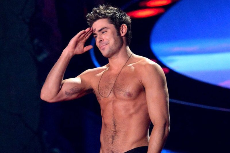 zac-efron-shirtless-2014-mtv-movie-awards.jpg